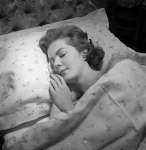 сколько часов длится здоровый сон