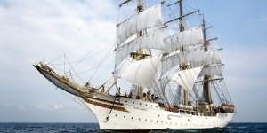 к чему снится корабль или яхта