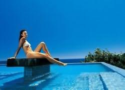 плавать с мужчиной в бассейне во сне