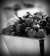К чему снится собирать ягоды во сне