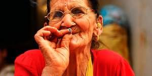к чему снится старая женщина