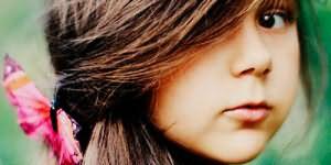 темноволосая девочка во сне